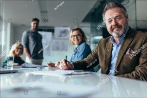 Vergadering VvE in goede handen. VvE beheerder met mensenkennis